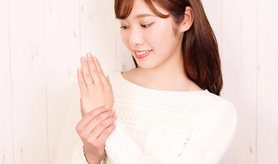 https://neko-takaramono.jp/wp-content/uploads/2020/08/marriagering_set16w_t2.jpg