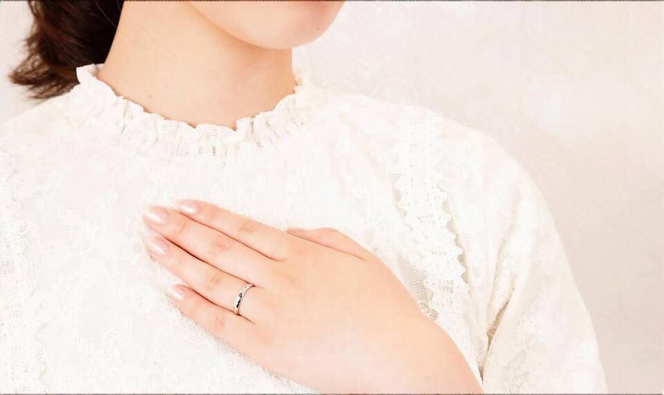 https://neko-takaramono.jp/wp-content/uploads/2020/08/nekojewelry_marriagering_05_t2.jpg