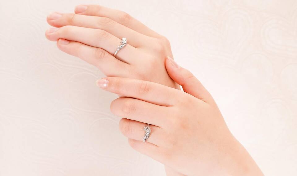 https://neko-takaramono.jp/wp-content/uploads/2020/08/nekojewelry_marriagering_1314_t.jpg