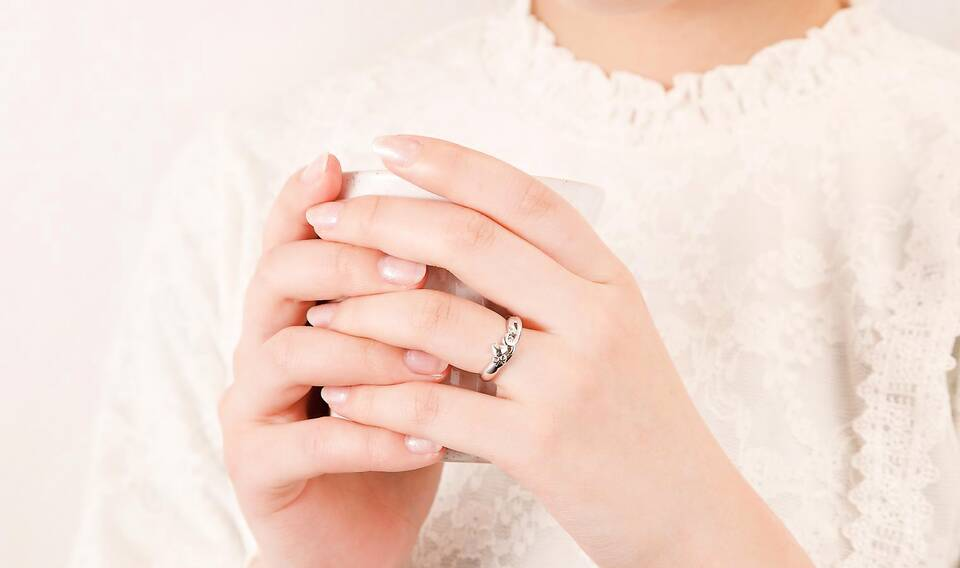https://neko-takaramono.jp/wp-content/uploads/2020/08/nekojewelry_marriagering_15_t2.jpg