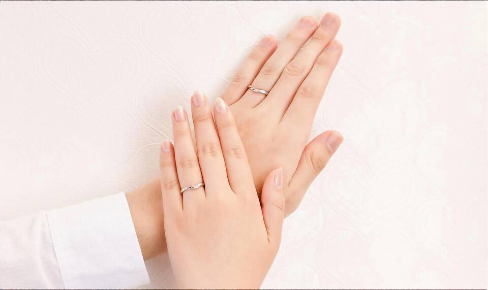 https://neko-takaramono.jp/wp-content/uploads/2020/08/nekojewelry_marriagering_2122_t.jpg