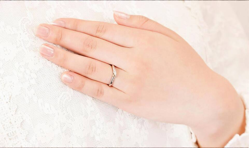 https://neko-takaramono.jp/wp-content/uploads/2020/08/nekojewelry_marriagering_21_t.jpg
