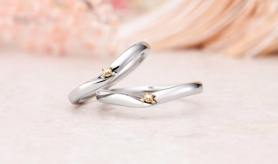 https://neko-takaramono.jp/wp-content/uploads/2020/08/nekojewelry_marriagering_2324.jpg