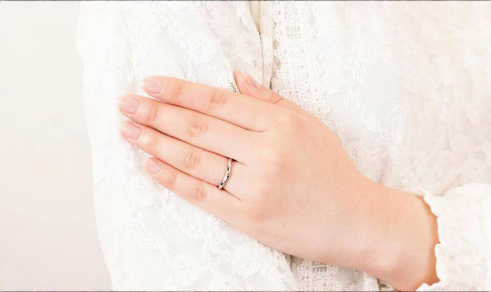 https://neko-takaramono.jp/wp-content/uploads/2020/08/nekojewelry_marriagering_23_t2.jpg